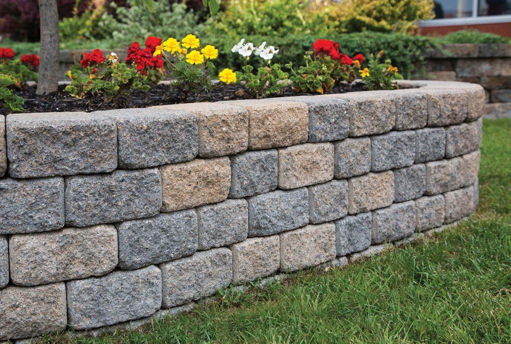 Roman-StackStone-Chamois-Blend-Garden-Walls-1024x690
